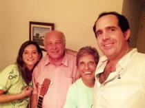 Con el Maestro del cuatro venezolano, Hernán Gamboa y Dacil de Gamboa.