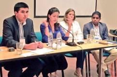 Disertando en Venezuela, junto a María Rosa Paya (Cuba), Juan Carlos Vargas (Chile), y Gerardo Resplandor (Venezuela).